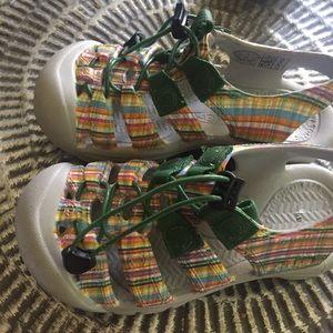 Keen Shoes - Keen water outdoor shoes waterproof Sz 1 Good Cond